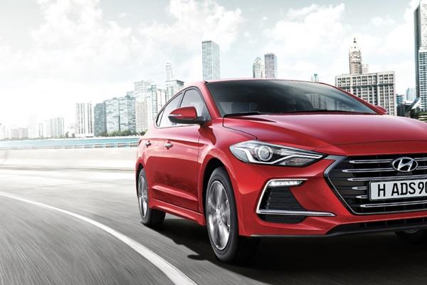 Ngoại thất Hyundai Elantra Sport 2018
